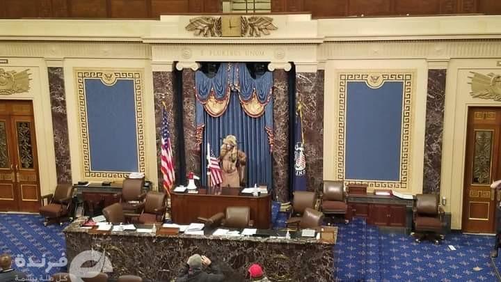 أنصار ترامب يقتحمون الكونجرس والأمن يطلق قنابل الغاز وإعلان حظر التجول  يحدث في أمريكا