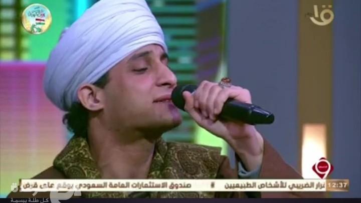 """بقصيدة """"على قدري أصوغ لك المديح"""" الشيخ احمد التوني يطرب جمهور التاسعة مساء"""