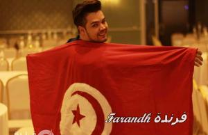 المطرب التونسي هيكل علي في الأهرامات.. صورة تسببت في اتهامه بـ الشذوذ (فيديو وصور)