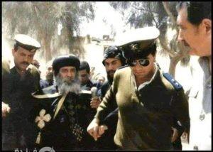 كتاب خريف الغضب| حينما يغضب الكبار من الكبار ! هل قبل السادات يد الملك فاروق؟!