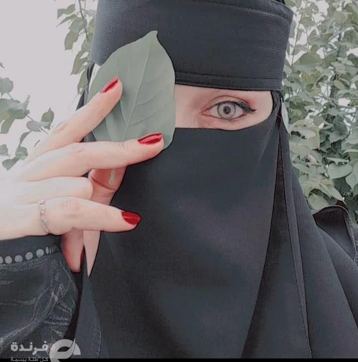 بسملة أحمد.. موديل فاشون بالنقاب (الجمال المنتقب)