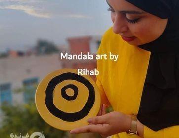 """الفنانة التونسية رحاب بحيري .. فنانة ترسم على الخزف والأواني """"الهروب للرسم""""!!"""