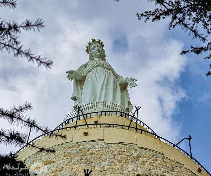 تمثال سيدة لبنان